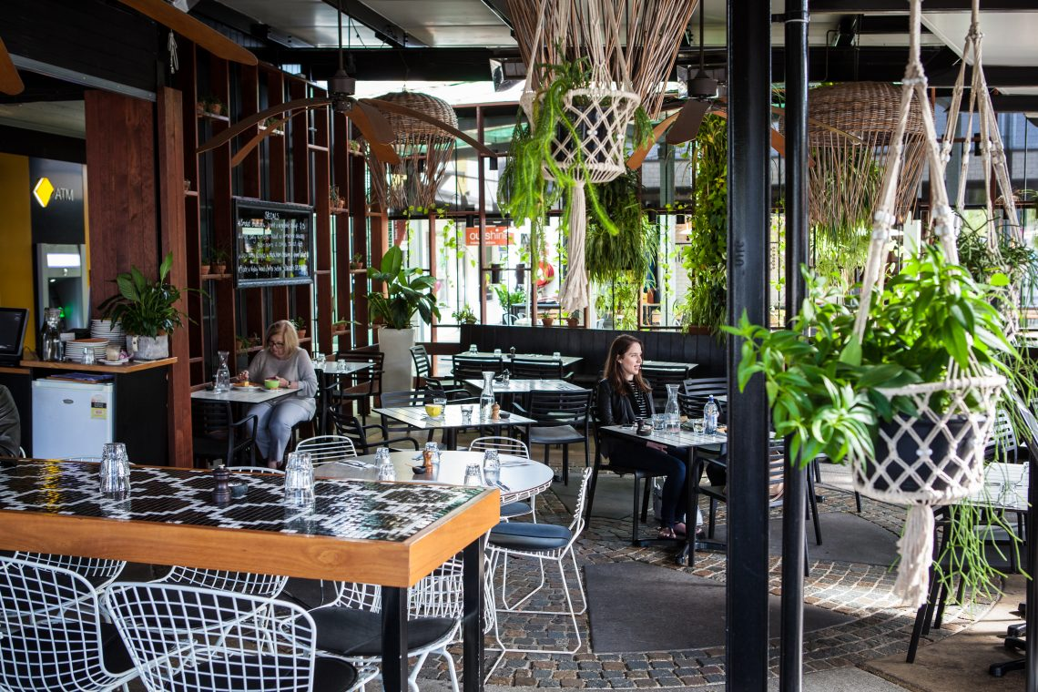 Colle Rosso Brisbane60 70yrs22 6 19 A Table For Six